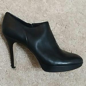 VINCE CAMUTO Black Pumps Heels Shoes Size 8.5